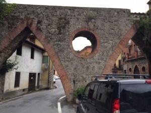 ARCO GALLICANO